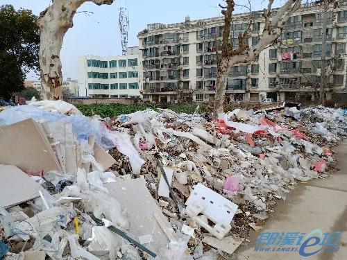 老城区成垃圾场,